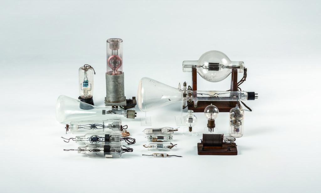 電子技術の基盤となった歴史的電子管