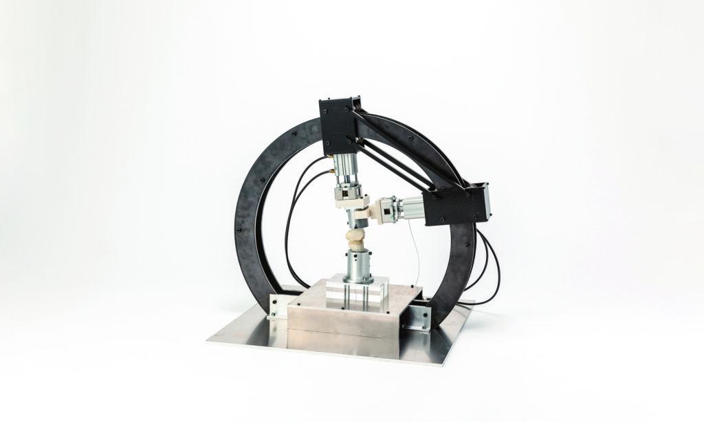 ヒトの膝関節実模型を用いた関節負荷計測装置